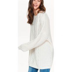 Swetry klasyczne damskie: SWETER DAMSKI W WARKOCZE Z MIĘKKIEJ DZIANINY