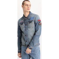 Superdry ROGUE PATCH TRUCKER Kurtka jeansowa stormy blue. Niebieskie kurtki męskie jeansowe Superdry, m. W wyprzedaży za 363,35 zł.