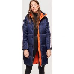 Płaszcze damskie: Sportowy płaszcz z lampasem - Granatowy