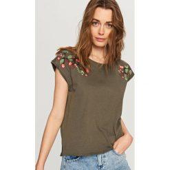 T-shirty damskie: T-shirt z różą – Khaki