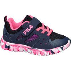 Sportowe buty dziecięce Fila granatowe. Czerwone buciki niemowlęce Fila, z materiału, na sznurówki. Za 99,90 zł.
