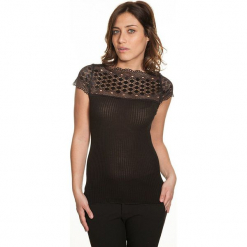 Koszulka w kolorze czarnym. Czarne bluzki koronkowe Mare, m, z dekoltem w łódkę. W wyprzedaży za 113,95 zł.
