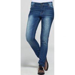 Cheap Monday- Jeansy Ski Wash. Niebieskie jeansy damskie relaxed fit marki Reserved. W wyprzedaży za 39,90 zł.