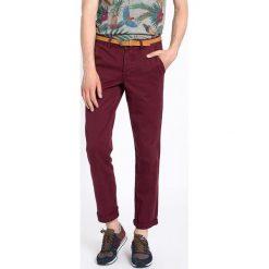 Review - Spodnie Chino. Szare chinosy męskie marki bonprix, melanż, z dresówki. W wyprzedaży za 119,90 zł.