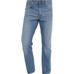 GStar 3301 STRAIGHT Jeansy Straight Leg sato denim medium aged. Białe jeansy męskie marki G-Star, z nadrukiem. Za 469,00 zł.
