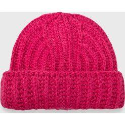 Noisy May - Czapka. Różowe czapki zimowe damskie marki Noisy May, na zimę, z dzianiny. Za 39,90 zł.