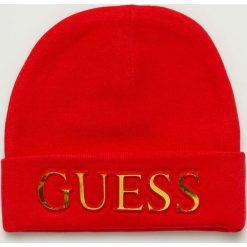 Guess Jeans - Czapka. Różowe czapki zimowe damskie Guess Jeans, z dzianiny. Za 189,90 zł.
