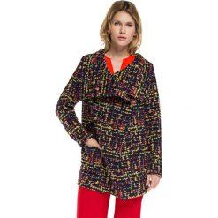 Płaszcz damski 86-9W-109-X. Czerwone płaszcze damskie marki Wittchen, s, z futra, z kapturem. Za 359,00 zł.