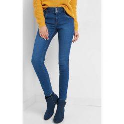 Jeansy skinny push-up. Niebieskie rurki damskie marki Orsay, z bawełny. Za 119,99 zł.