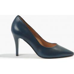 Czółenka granatowe Saranda. Niebieskie buty ślubne damskie Badura. Za 215,99 zł.