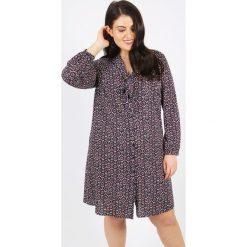 Sukienki: Sukienka rozkloszowana, półdługa, z nadrukiem