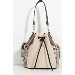 Parfois - Torebka. Szare torebki klasyczne damskie marki Parfois, w paski, z materiału, średnie. Za 139,90 zł.