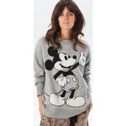Sweter z Myszką Miki - Szary. Białe swetry klasyczne damskie marki Reserved, l, z dzianiny. Za 159,99 zł.