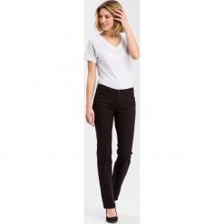 """Dżinsy """"Lauren"""" - Regular fit - w kolorze czarnym. Czarne spodnie z wysokim stanem marki Cross Jeans, z aplikacjami. W wyprzedaży za 127,95 zł."""
