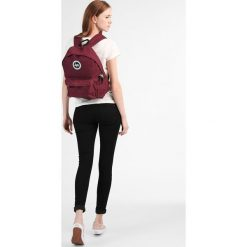 Plecaki damskie: Hype BADGE BACKPACK Plecak burgundy