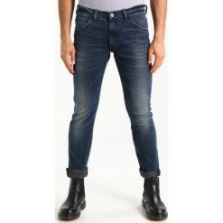 Wrangler BRYSON Jeans Skinny Fit fly ball. Szare jeansy męskie relaxed fit marki Wrangler, l, z poliesteru, z kapturem. Za 329,00 zł.