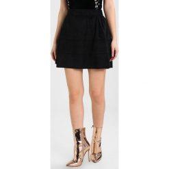 Spódniczki trapezowe: Noisy May Petite NMLAUREN SKIRT Spódnica trapezowa black