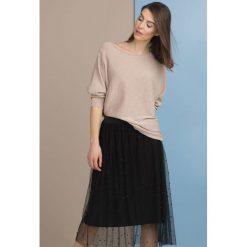 Swetry klasyczne damskie: Sweter z połyskującymi drobinkami
