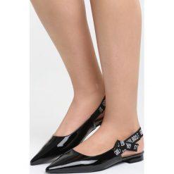 Czarne Sandały Office Queen. Czarne sandały damskie marki Born2be, z lakierowanej skóry, na obcasie. Za 69,99 zł.