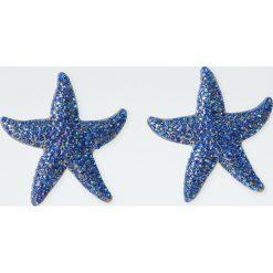 Kolczyki w kształcie rozgwiazdy. Szare kolczyki damskie Pull&Bear. Za 49,90 zł.