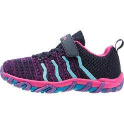 Kastinger COLOUER Obuwie hikingowe dark navy/dark pink/light blue. Fioletowe buty sportowe męskie marki NEWFEEL, z poliesteru, do biegania. Za 189,00 zł.