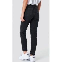 Spodnie z wysokim stanem: NA-KD Jeansy Open Hem - Black
