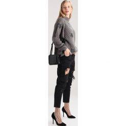 Swetry klasyczne damskie: Noisy May Petite NMSANE HIGH NECK  Sweter grey
