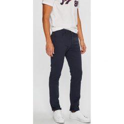 Jack & Jones - Spodnie. Czarne rurki męskie marki Jack & Jones, l, z bawełny, z klasycznym kołnierzykiem, z długim rękawem. Za 149,90 zł.