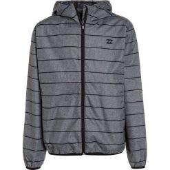 Billabong TRANSPORT WINDBREAKER Kurtka przejściowa dark grey. Szare kurtki dziewczęce przejściowe marki Billabong, z materiału, outdoorowe. W wyprzedaży za 135,85 zł.