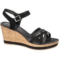 Sandały na koturnie 5th Avenue czarne. Czarne sandały damskie marki 5th Avenue, z materiału, na koturnie. Za 159,90 zł.