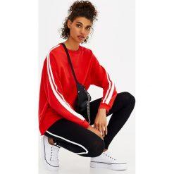 Bluzy rozpinane damskie: Bluza z paskami na ramionach