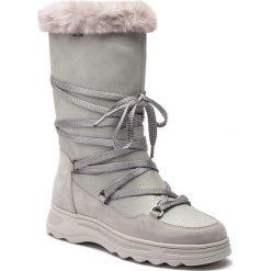 Śniegowce GEOX - D Hosmos B Abx B D84AUB 0PV32 C0898 Silver/Lt Grey. Szare buty zimowe damskie Geox, z nubiku. W wyprzedaży za 519,00 zł.