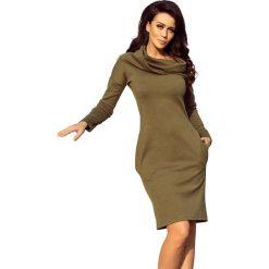 Khaki Sukienka Dopasowana z Obfitym Golfem. Brązowe długie sukienki marki Molly.pl, s, z tkaniny, eleganckie, z golfem, z długim rękawem, dopasowane. Za 149,90 zł.