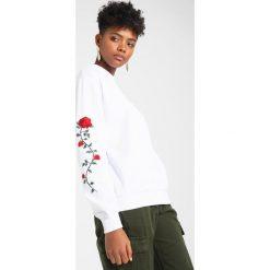 Bluzy damskie: NAKD ROSE SLEEVE EMBROIDERY SWEATER Bluza white