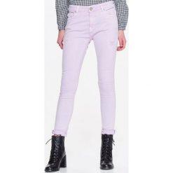 Spodnie damskie: SPODNIE DAMSKIE Z PRZETARCIAMI, RURKI