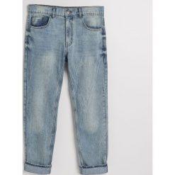 Jeansy regular fit z recyclingu - Niebieski. Niebieskie jeansy męskie regular marki QUECHUA, m, z elastanu. W wyprzedaży za 49,99 zł.