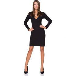 Czarna Sukienka Wizytowa z Kopertowym Dekoltem. Czarne sukienki dzianinowe Molly.pl, do pracy, l, biznesowe, z kopertowym dekoltem, dopasowane. Za 139,90 zł.