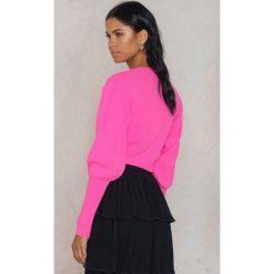 Swetry klasyczne damskie: Trendyol Krótki sweter z bufiastym rękawem – Pink