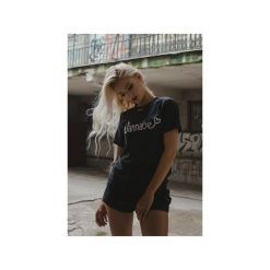 T-shirt Wannabe. Czarne t-shirty damskie Harp Team, m, z nadrukiem, z materiału. Za 79,00 zł.