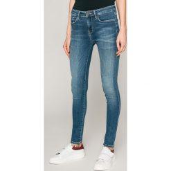Tommy Hilfiger - Jeansy Como. Niebieskie jeansy damskie TOMMY HILFIGER, z bawełny. W wyprzedaży za 359,90 zł.