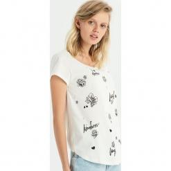 T-shirt z aplikacją z pereł - Kremowy. Białe t-shirty damskie Sinsay, l, z aplikacjami. Za 24,99 zł.