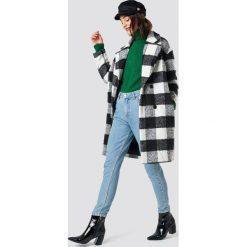 Glamorous Płaszcz z futrzanym kołnierzem - Black,White. Różowe płaszcze damskie marki Glamorous, z nadrukiem, z asymetrycznym kołnierzem, asymetryczne. Za 404,95 zł.