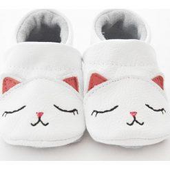 Buciki niemowlęce chłopięce: Kotki - miękkie buciki z naturalnej skóry