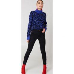 NA-KD Jeansy z wysokim stanem - Black. Czarne jeansy damskie NA-KD, z bawełny. Za 110,95 zł.
