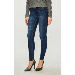 Jacqueline de Yong - Jeansy. Niebieskie jeansy damskie rurki marki Jacqueline de Yong, z bawełny. Za 129,90 zł.
