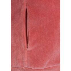Tumble 'n dry DANEILLE Bluza rozpinana lantana. Czerwone bluzy dziewczęce rozpinane marki Tumble 'n dry, z bawełny. W wyprzedaży za 152,10 zł.