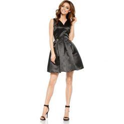 Rozkloszowana sukienka [czarny] - 2