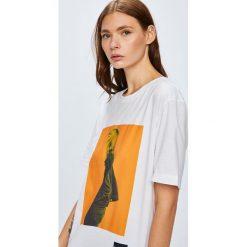 Calvin Klein Jeans - Top. Niebieskie topy damskie marki DOMYOS, z elastanu, street, z okrągłym kołnierzem. Za 199,90 zł.