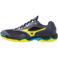 Mizuno WAVE PHANTOM 2 Obuwie do piłki ręcznej ombre blue/safety yellow/hawaiian ocean. Niebieskie buty do koszykówki męskie marki Mizuno, z materiału, mizuno wave. Za 419,00 zł.