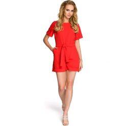 ISABELLE Kombinezon - czerwony. Czerwone kombinezony damskie Moe, z krótkim rękawem, krótkie. Za 149,00 zł.